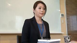 Japanese Mature Woman masturbates in the office